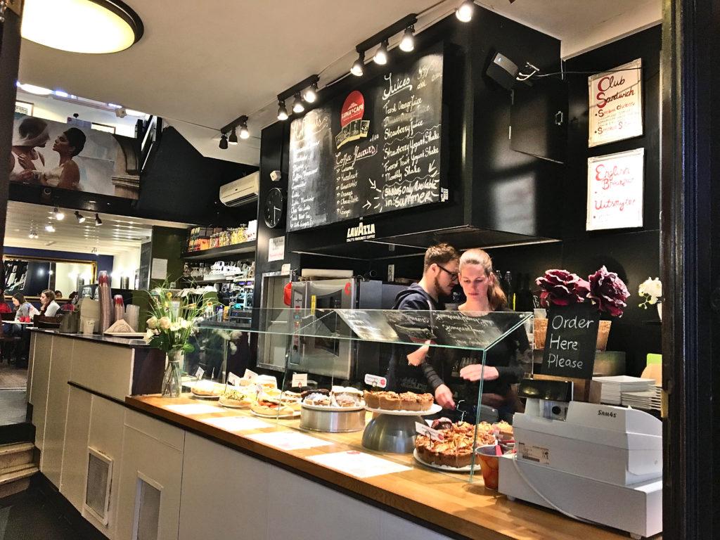 Essen in Amsterdam - Luna's Café