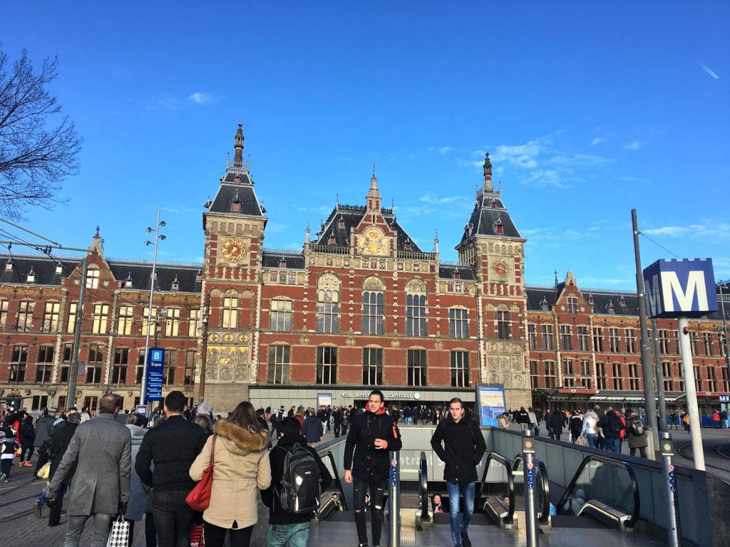 Bahnhof Amsterdam -Wochenende in Amsterdam