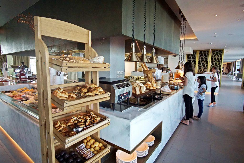 Sundus Rotana - Muscat Stopover Hotel - Restaurant Buffet