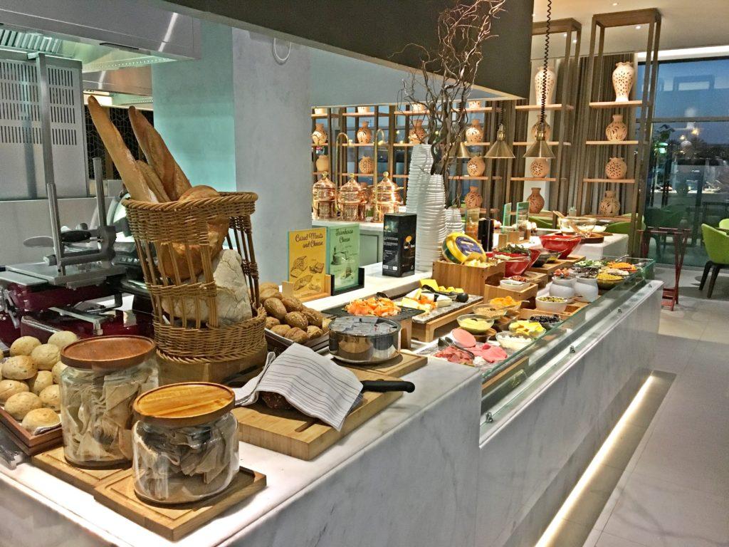 Sundus Rotana - Muscat Stopover Hotel - Restaurant Essen