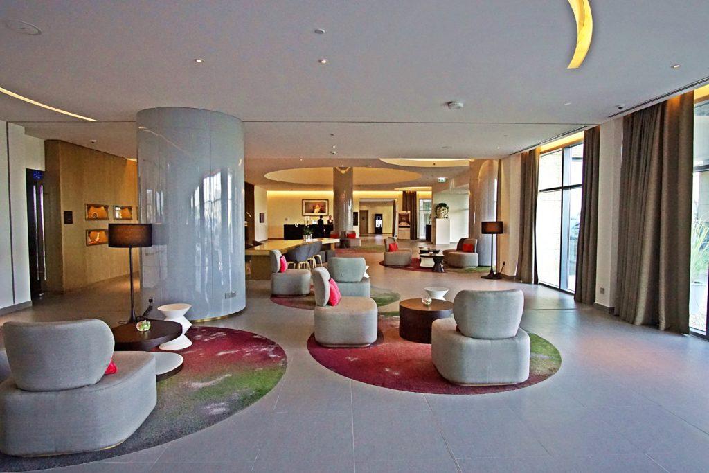Sundus Rotana - Muscat Stopover Hotel - Lobby Sitze