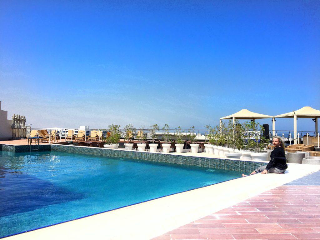 Park Inn by Radisson Muscat - Muscat Stadt Hotel - Pool Dachterrasse