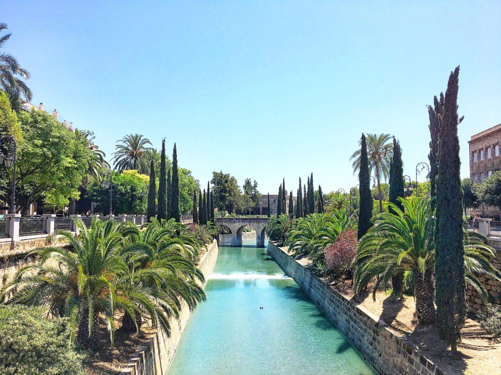 Spanien - Kurztrip MallorcaTagesausflug mit Abwechslung - Palma de Mallorca - torrent de sa riera - Pont de la Porta de Santa Caterina