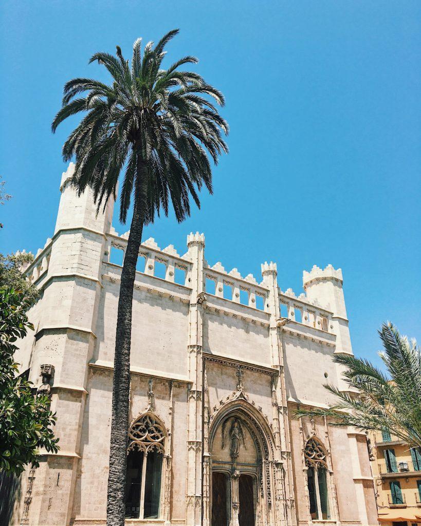 Spanien - Kurztrip MallorcaTagesausflug mit Abwechslung - Palma de Mallorca - Llotja de Palma Placa de la Llotja