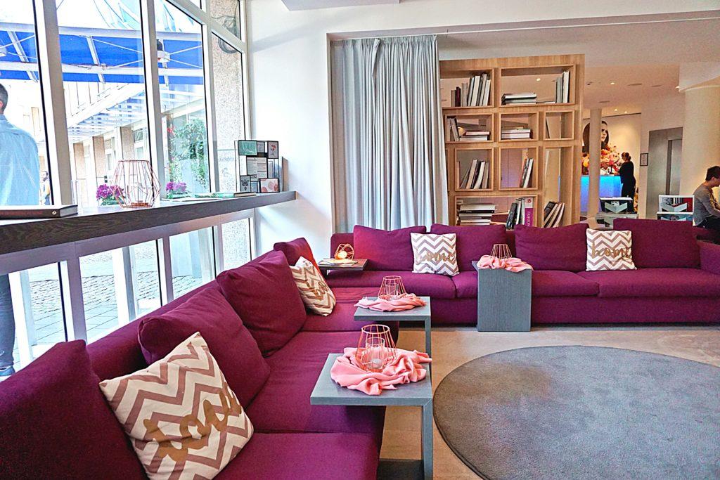Design Hotel Indigo Düsseldorf - Hotel Düsseldorf Altstadt - Lounge Restaurant Adress Bar & Kitchen Terrasse