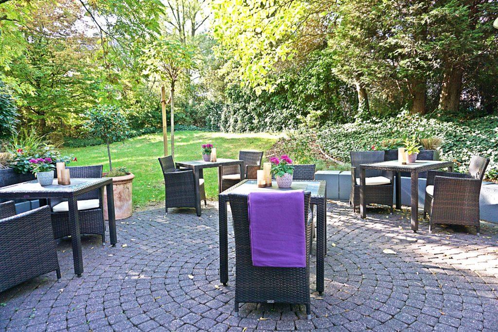Design Hotel Indigo Düsseldorf - Hotel Düsseldorf Altstadt - Terrasse Restaurant Adress Bar & Kitchen
